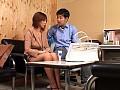 コンビニにて、彼女、翔田千里出演の騎乗位無料熟女動画像。堕ちた万引き妻 飽欲の淫姦凌辱 翔田千里