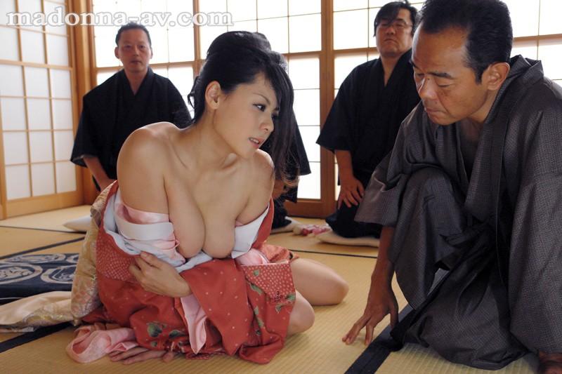 和服妻凌辱 愛田奈々 の画像1