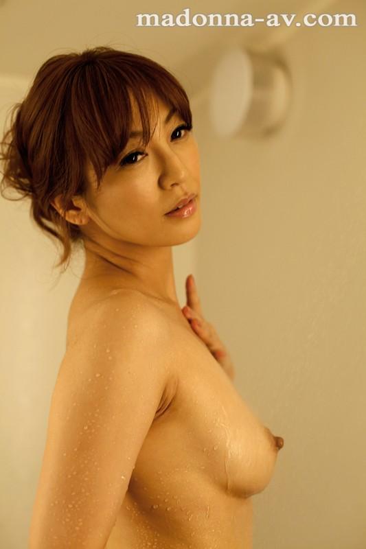 瞳リョウ come back 12年ぶり…伝説の裸身―。 の画像4