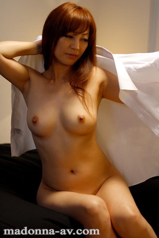 瞳リョウ come back 12年ぶり…伝説の裸身―。 の画像5