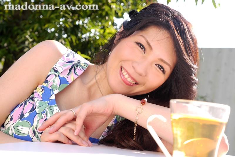 人妻 白川千織32歳 AV Debut 産休後のセックスレスボディを責められたい ママさんOL初撮りドキュメント の画像10