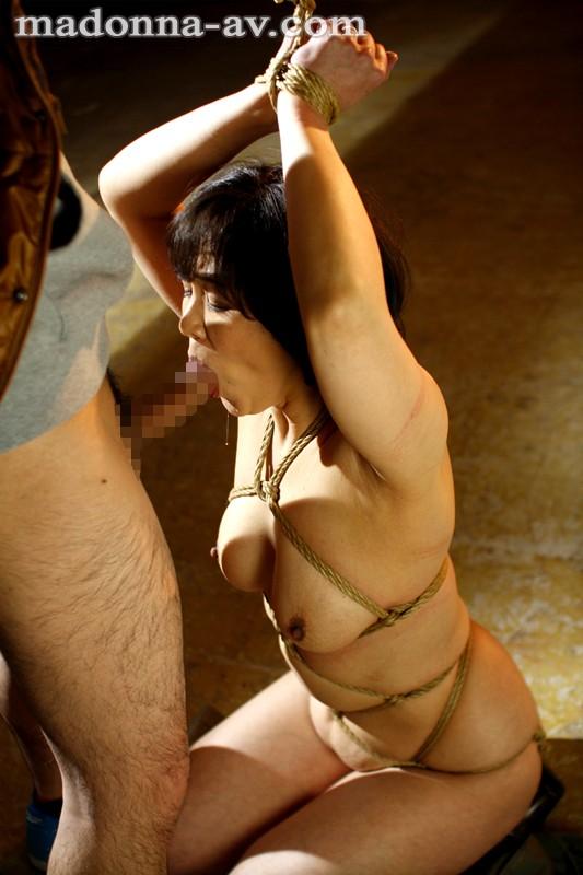 縛られた人妻~年下男の麻縄調教~ 円城ひとみ の画像7