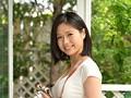 初撮り本物人妻 AV出演ドキュメント ~美しすぎるカメラ女子人妻30歳~ 最上ゆり子 1