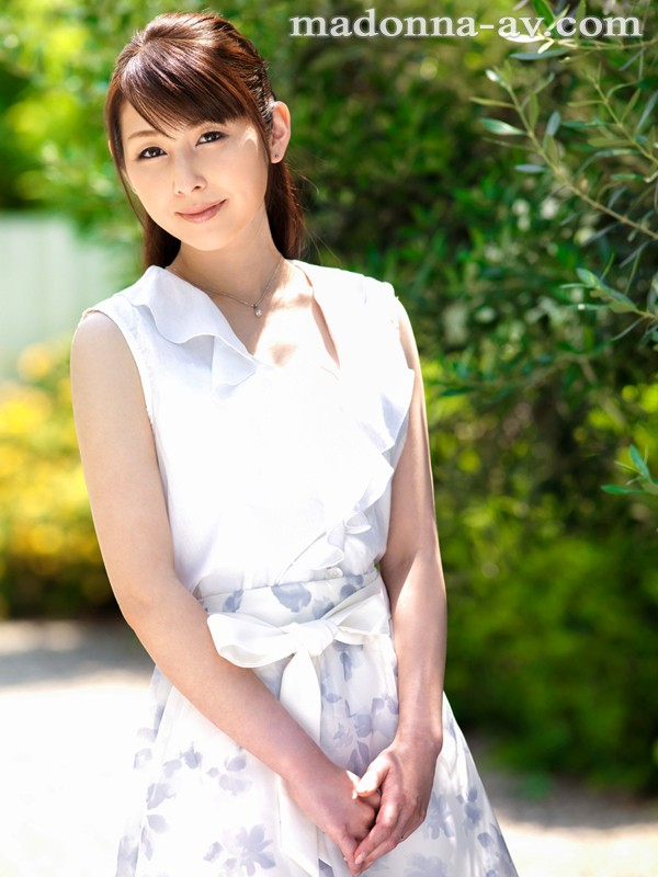 初撮り本物人妻 AV出演ドキュメント ~留学経験があるパティシエ奥様34歳~ 臼井さと美 の画像10