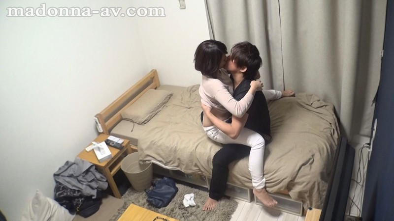 http://pics.dmm.co.jp/digital/video/juy00201/juy00201jp-2.jpg