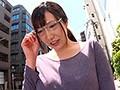 [JUY-580] 全身地味コーデの人妻ほど、派手に乱れるギャップが堪らない。 出会い系アプリで見つけたメガネ巨乳妻 みいなさん 31歳 【推定Iカップ】