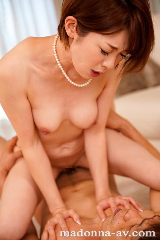 衝撃の中出し解禁!! 元女子アナ人妻、生ハメ狂い3本番。 香澄しおり-3