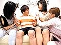 [KAR-906] 姉ちゃんのおつかいで保育士女子寮に行ったら 性欲旺盛!巨乳超ヤリマン女子ばっかりでとんでもなくエロいことになった件