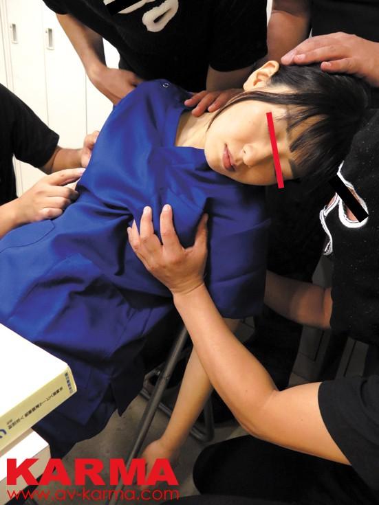 夜間当直中の美人救急救命医師を眠らせて犯す の画像7