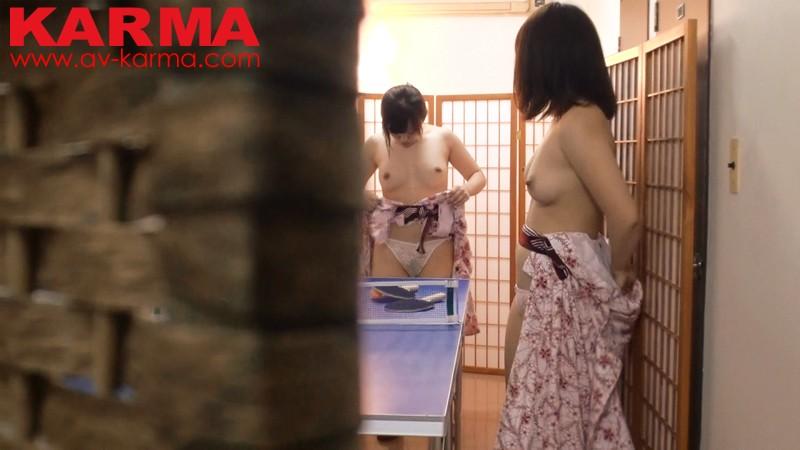 静岡県 某温泉宿で撮られた 修学旅行で悪ノリ!ハメを外し過ぎちゃったJ●たちの温泉卓球ノーブラ&パンチラ盗撮 の画像2
