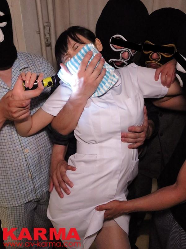 夜勤巡回中の美人看護師を狙ったクロロホルム昏睡レイプ の画像5