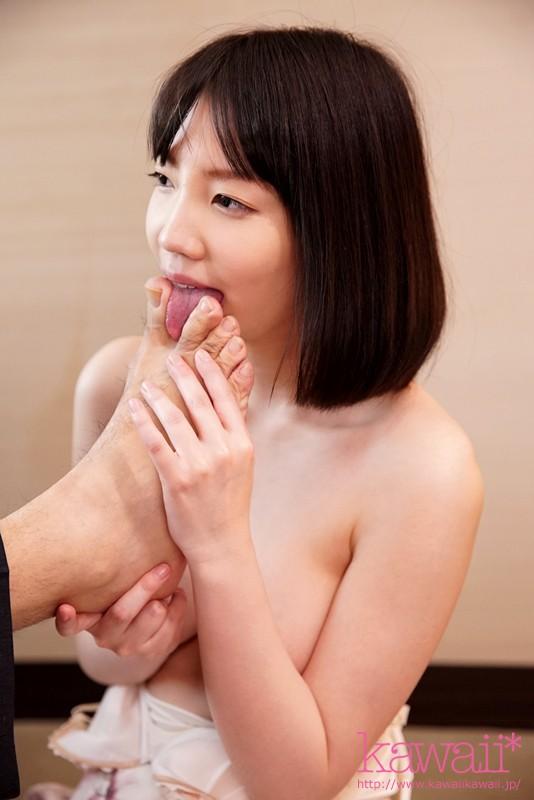 鈴木心春 SNSで知り合った中年男と週4で密会し狂ったようにハメまくる変態SEX依存美少女サンプルイメージ5枚目