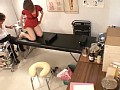 触診と称してアナルを弄ぶ悪徳エロ医師盗撮 ○×病院 肛門科わいせつ検診のサムネイル