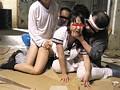 ホームレスによる女子中○生集団レイプ映像 サンプル画像 No.3