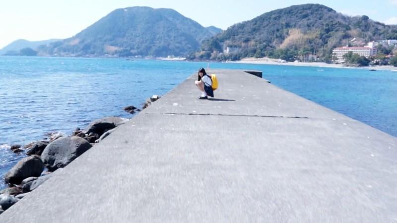 【DMM動画】-『沖縄離島で生まれ育った天真爛漫な健康的褐色美少女! 安座間那海』 画像12枚