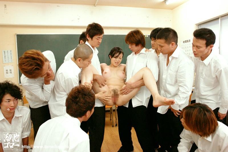 生徒の罠に堕ちた女教師 桜みちる の画像2