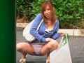 欲求不満な若妻の大胆パンティ見せつけ挑発 若妻4名 サンプル画像7