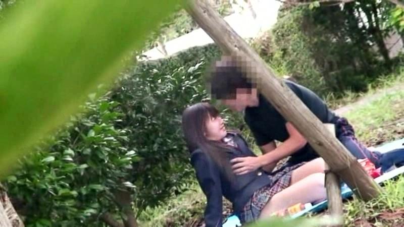公園でサカリのついた露出カップル盗撮3.5時間 の画像1
