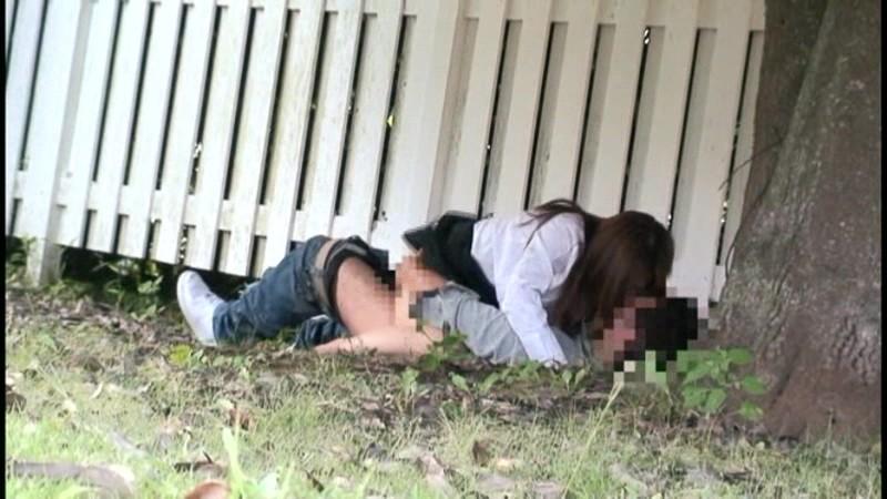 公園でサカリのついた露出カップル盗撮3.5時間 の画像16
