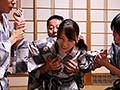 妻の会社の社員旅行 鈴代えな 温泉宿で他人棒との肉体レクリエーション.MOV 5