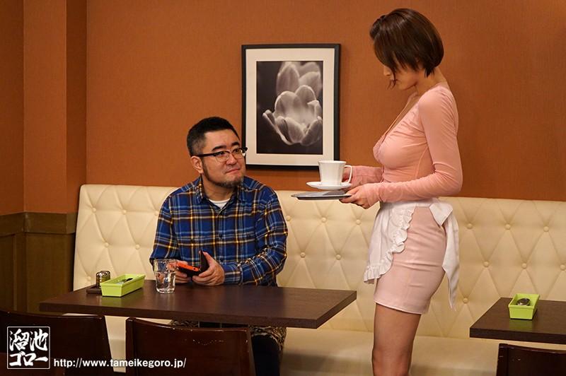 巨乳好きの店長に見た目だけで採用されたHカップ人妻の深夜勤務 君島みお の画像6