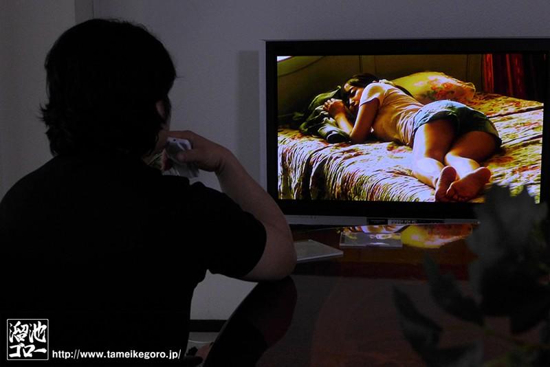死んだ親父の遺品から出てきた妻との10年分の寝取られ種付けビデオ 篠田ゆう の画像10
