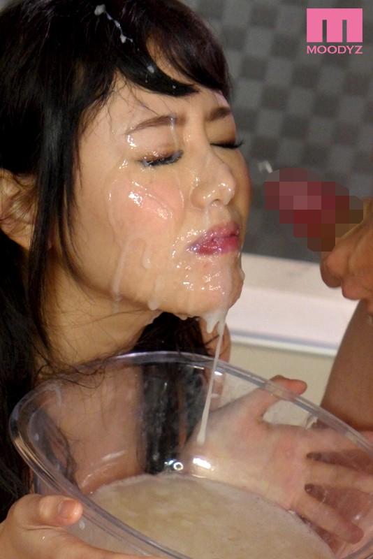 浜崎真緒の大量精飲3