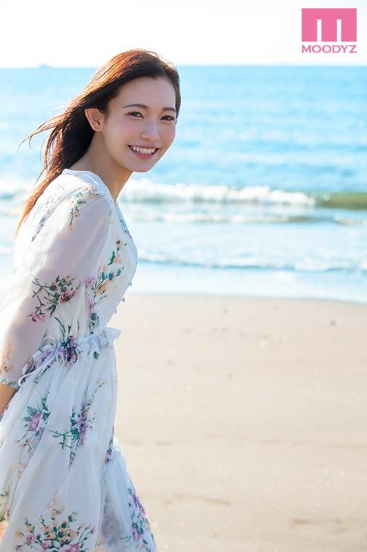 20歳になったばかりのクォーター現役女子大生 咲乃小春 画像10枚