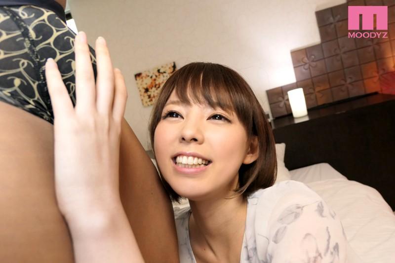 AV初出演 京都訛りのおっとり清楚系 SNSの裏アカでエロ願望を晒す本当はスケベな女の子