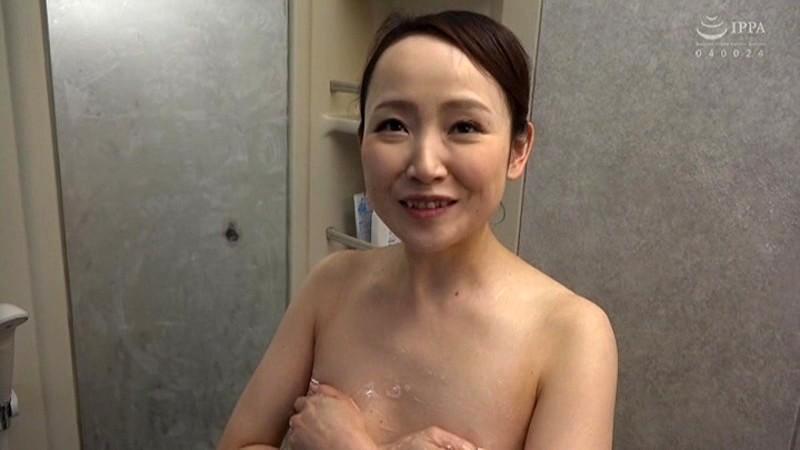美人で評判のお店 おでん屋の天然お女将さんがAVデビュー 藤井麻未 の画像8
