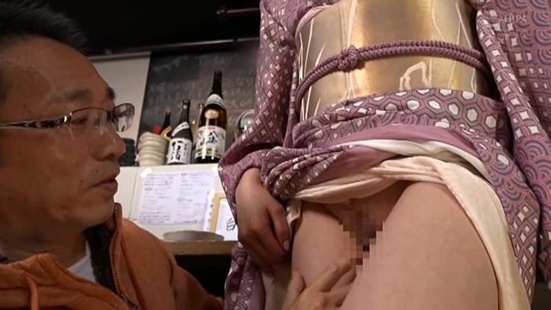 美人で評判のお店 おでん屋の天然お女将さんがAVデビュー 藤井麻未 の画像19