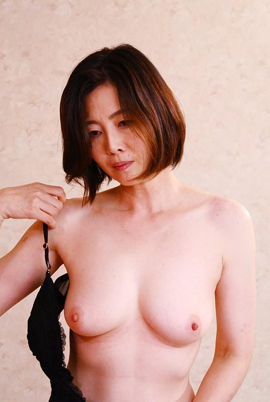 五十路 美熟女ベスト 竹内梨恵 4時間 色白美乳 の画像16