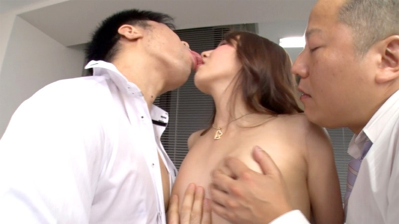 友田彩也香の接吻淫魔