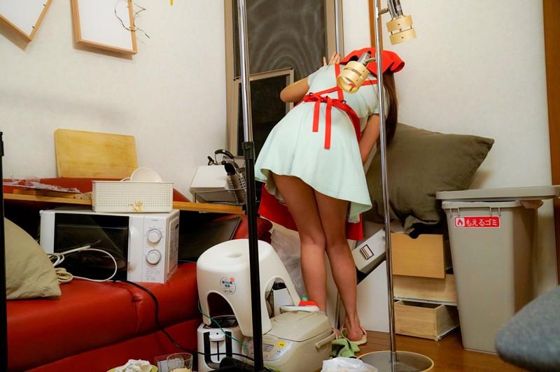 家事代行サービスのパートをはじめた妻がゴミ屋敷の住人たちに不潔ザーメンを何度も中出しされたっぽい 浜崎真緒 の画像9