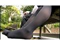 黒タイツを穿いている女子校生の足にすごくムラムラしちゃうんです サンプル画像1