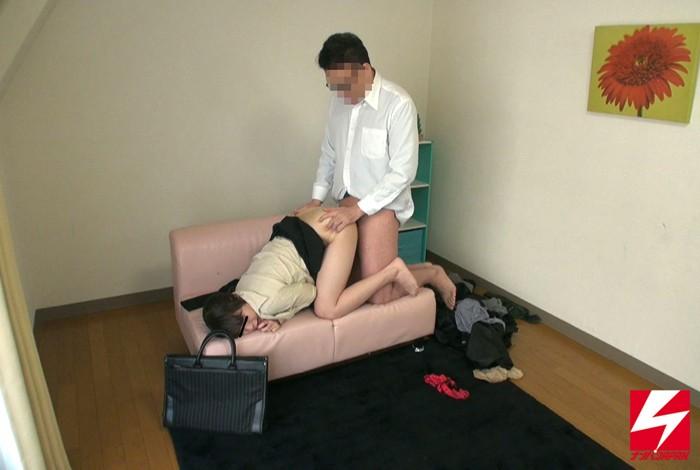 禁断の男女の関係は密室の中で理性or性欲どちらが勝る!?