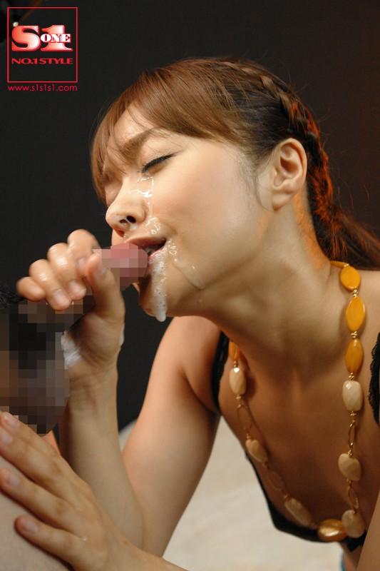 麻美ゆまのセックスの無料エロ動画