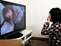娘が目にした衝撃の事実!今は亡き理想の父親はレイプ魔だった!誕生日会とラベルされたビデオテープには、娘の同級生が父に犯されている映像が写っていた! 8