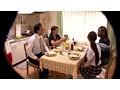 ヤリチン黒人留学生がホームステイ先の奥さん&娘をMEGAチ●ポで突きまくり! サンプル画像2