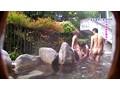生ハメ6人!混浴温泉に来る熟女は噂通りの色キチ女だった 9