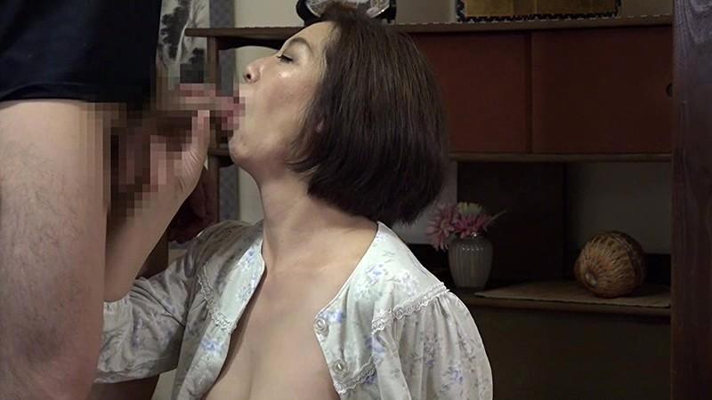 ひとり暮らしするお婆ちゃんの家に泊まりに行こう(6)~一宿一飯のお礼にチンポでご奉仕 の画像10
