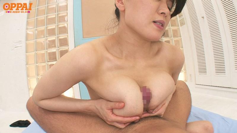 爆乳人妻のパイズリ 佐藤みき の画像6