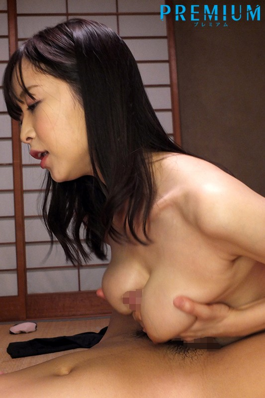 中出しお義姉さんの誘惑 ~義弟の想いに巨尻がときめいて~ 篠田ゆう の画像6