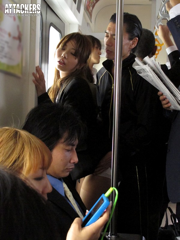 痴漢電車 こんな所で…なのに、なのに私ったら…! 神ユキ の画像10