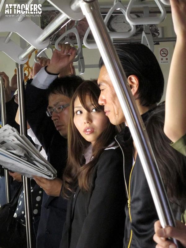 痴漢電車 こんな所で…なのに、なのに私ったら…! 神ユキ の画像11