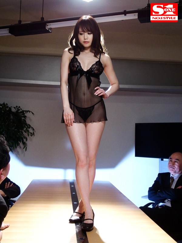 下着モデルをさせられて… 吉沢明歩 の画像8
