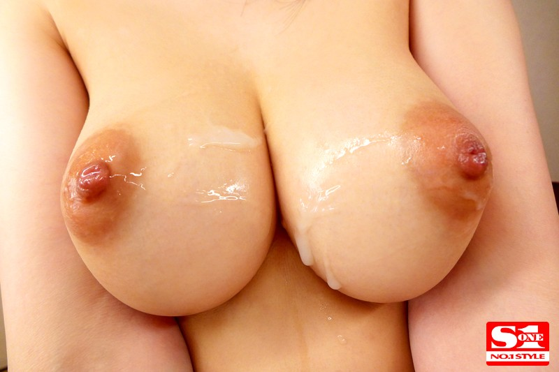 美乳がポロリ 葵 の画像4