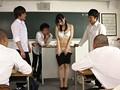 新米教師のわたしは、オッパイが大きいせいか思春期の生徒たちのオモチャにされ皆がいる前で全裸授業をさせられています。 あかり美来 4