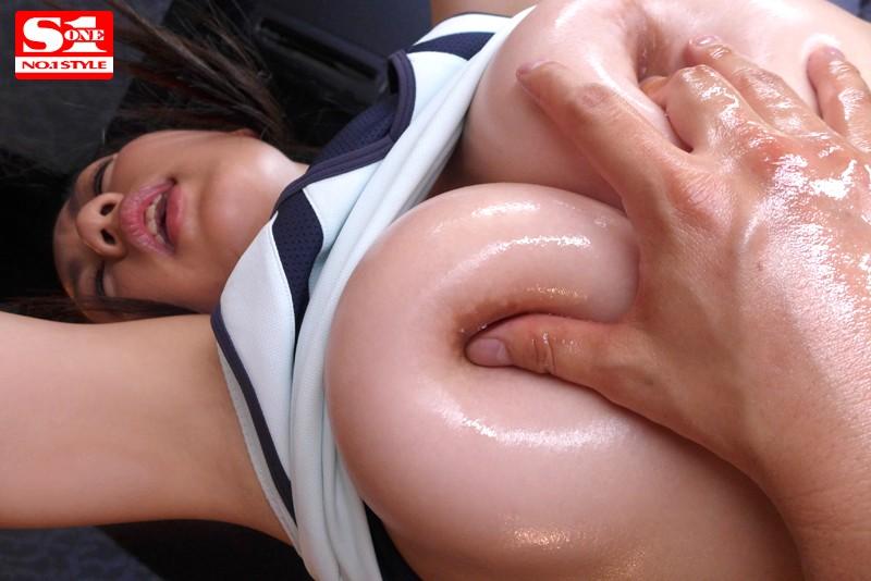 エグい程の肉感AV 筋肉・乳・尻・結合が目前に迫る特殊映像&徹底ローアングル 白石真琴
