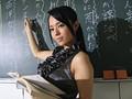 校内で巻き起こる悪夢!?美貌の女教師が生徒達に緊縛蹂躪される…